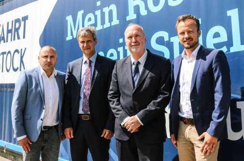 Robert Marien (Vorstandsvorsitzender FC Hansa Rostock), Roland Blank und Andreas Lübcke (Vorstand Wohnungsgenossenschaft Schiffahrt-Hafen Rostock) und Martin Grunert (Infront Germany) - Foto: FC Hansa Rostock