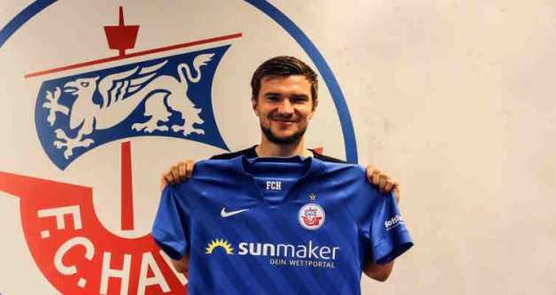 Björn Rother unterschrieb beim F.C. Hansa - Foto: © FC Hansa Rostock