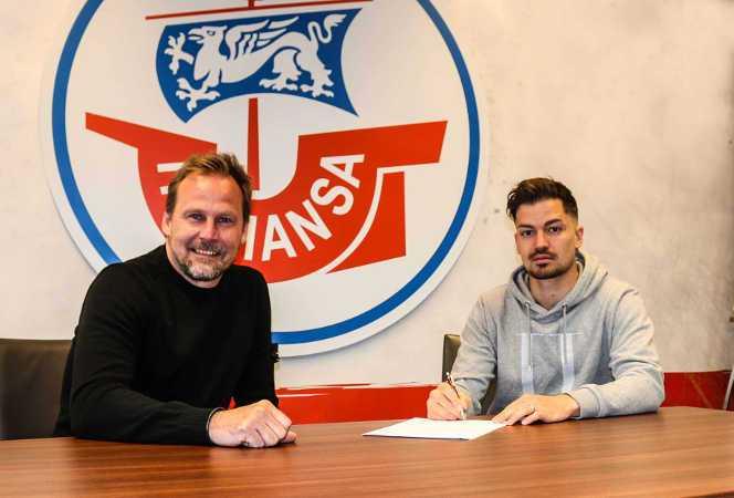 Fußball 3. Liga - FC Hansa Rostock - Julian Riedel und Martin Pieckenhagen (v.r.) - Copyright: © F.C. Hansa Rostock
