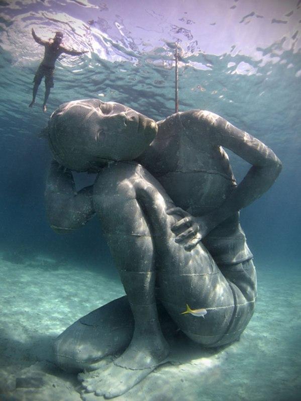 ocean-atlas-jason-decaires-taylor-nassau-bahamas-sculpture-2