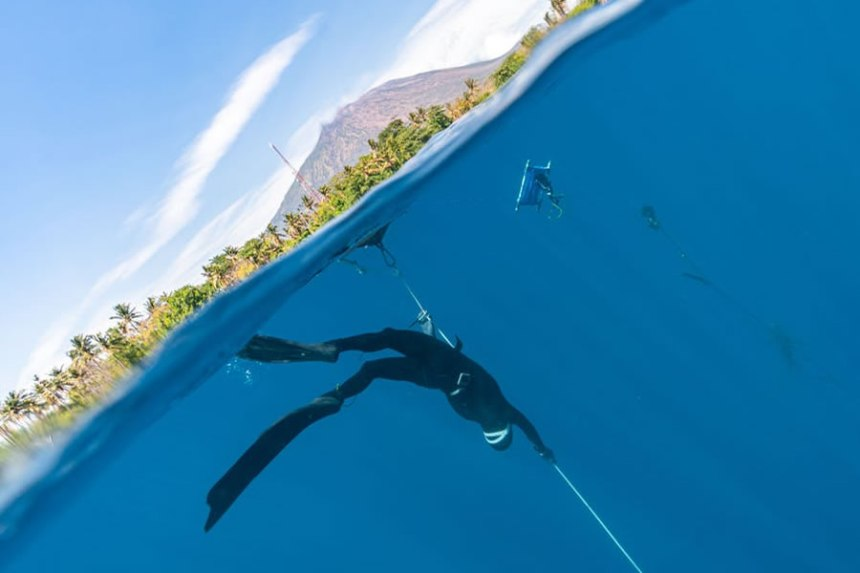 Going freediving can be a life-changing experience. Merging with the elements, discovering marine life, and witnessing the beautiful underwater landscapes all add up to create unforgettable memories. However, it is crucial to familiarize yourself with the freediving essentials beforehand in order to be well prepared. We will go over the basics with you.