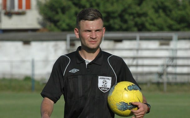 Meciurile și arbitrii etapei a 10-a în Liga 4-a: Nicoraș fluieră derby-ul de podium Zăbrani - Sântana