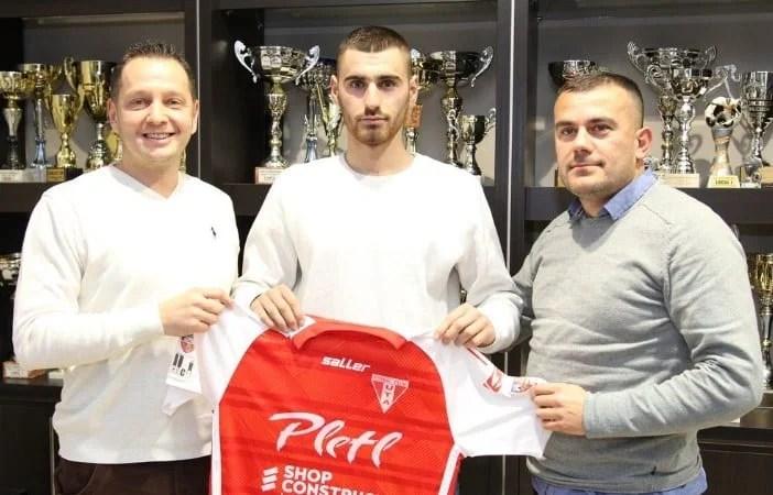 UTA mută cu un străin în centrul defensivei: Macedoneanul Adili a semnat pânâ în 2019!