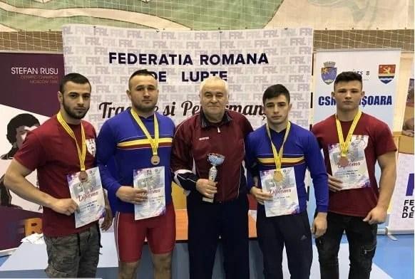 """""""Aur"""" și """"bronz"""" pentru luptătorii Astrei la Timișoara"""