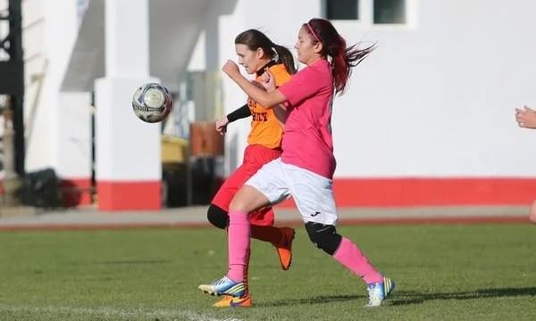 Campionatele de fotbal feminin s-au reluat fără formațiile arădene: Piroș Security s-a poticnit la 20 de kilometri de destinație