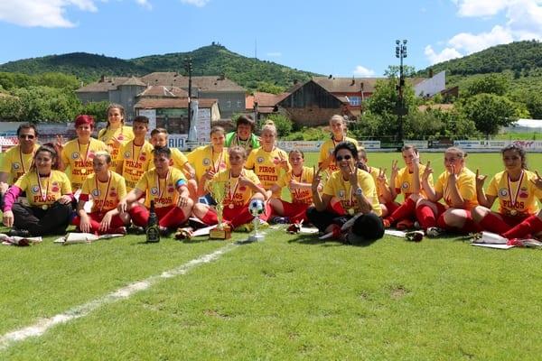 Tricouri de campioane primite pe ploaie...de goluri: AC Piroș Security - Atletic Drobeta 11-1
