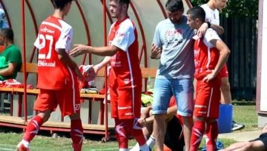 """Photo of Mihalcea are încredere în Burlă, dar continuă să descopere și alți juniori """"roș-albi"""": """"Vor fi surprize plăcute, să mă facă să alcătuiesc greu echipa de start!"""""""