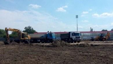"""Photo of Vladimirescu investește aproape 100 de mii de euro în refacerea gazonului arenei """"Constantin Sfârlogea"""": """"Totul pentru tinerii comunei noastre!"""""""