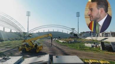 """Photo of Falcă, în pielea lui Stan Pățitul: """"Am demarat procedurile unei licitații paralele la investiția CNI în stadionul UTA"""" Dar când se taie panglica?"""