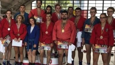 """Photo of """"Naționalele"""" de sambo pentru juniori și tineret au venit cu 13 medalii pentru cluburile arădene"""
