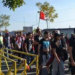 Suporterii UTA-ei au descins în liniște la Timișoara la bordul a șapte autocare