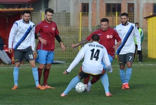 Zi de teste pentru prim divizionarele județene: Poftă de goluri pentru Glogovăț sau Felnac, Pecica se impune în fața Zăbraniului