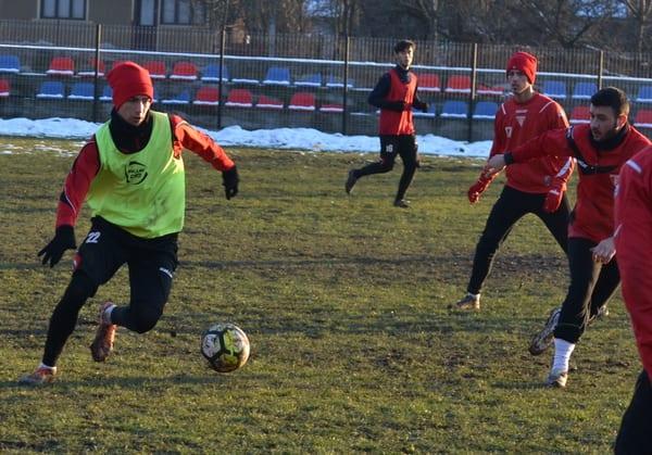 """Toma a decis meciul în familie disputat de utiști la Dezna, alternativa la minge – exercițiile de forță """"marca"""" Tisza"""