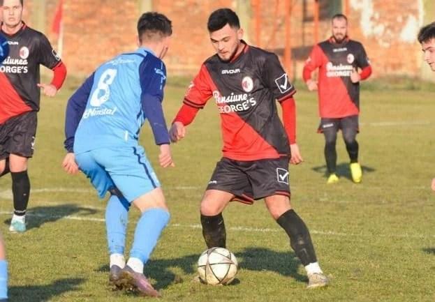 """Miei """"roș-albi"""", la tăiat înainte de Florii: Unirea Sântana – UTA II 7-0"""