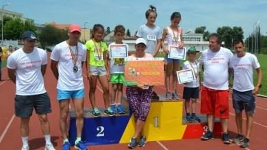 """Photo of Peste 200 de elevi de la zeci de școli din Arad și Timiș au alergat pentru glorie și…premii la prima ediție a """"1 Iunie Junior Atletism"""""""