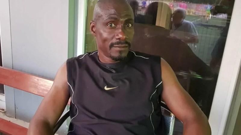 """Muncă de studiu, dar și fotbal de plăcere pentru Missé-Missé la Arad! Camerunezul a reușit """"hattrickul"""" la turneul veteranilor de la Arena Ionuț Popa"""