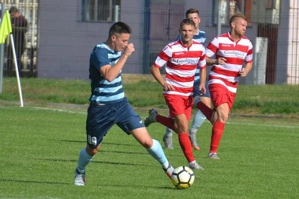 Livetext, ora 15: FC Hunedoara - Șoimii Lipova 3-2, Crișul Chișineu Criș - Industria Galda 1-0, Lunca Teuz Cermei - CNS Cetate Deva 2-0, finale