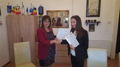 """Photo of Multipla campioană europeană Cristina Vărzaru, prezentă la Arad din partea FRH pentru a semna un protocol cu Universitatea """"Aurel Vlaicu"""""""