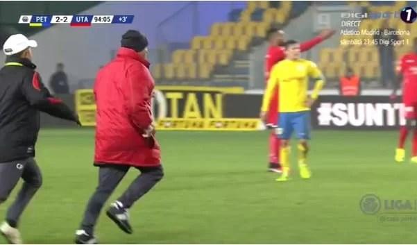 """Ionuț Popa a sprintat amenințător în direcția lui Janos după ratarea din minutele de prelungire: """"Nu mai vreau să-l văd la echipă, să plece la Ferencváros!"""""""
