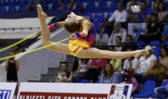 Patru gimnaste arădene, la centrul olimpic de ritmică