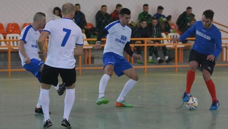 Sita cerne și la finalul săptămânii în campionatul județean de futsal: Zonele de la Satu Nou și Macea dau alte două finaliste
