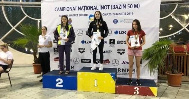 Andreea Popescu a strălucit în bazinul din Bacău: Junioara CSM-ului – cea mai bună din țară la înot bras