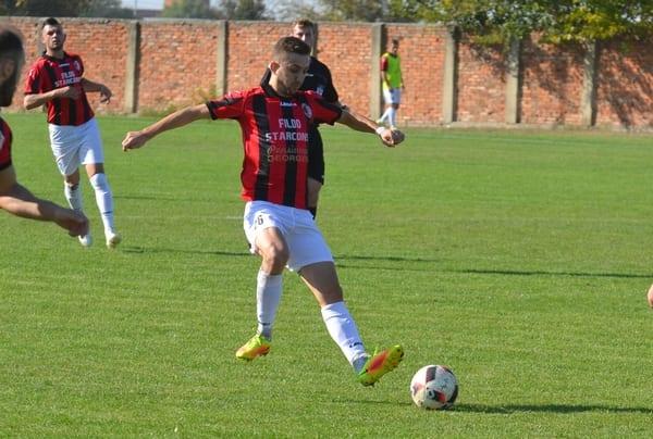 Semi-supriza a prins formă pe final: Unirea Sîntana - Șoimii Șimand 1-1