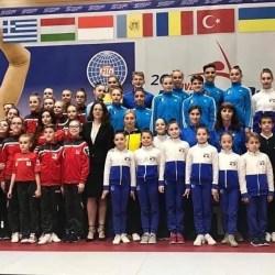 """Arădenii au strălucit la Openul Slovaciei la gimnastică aerobică, etapă importantă în pregătirea """"europenelor"""" de la Baku"""