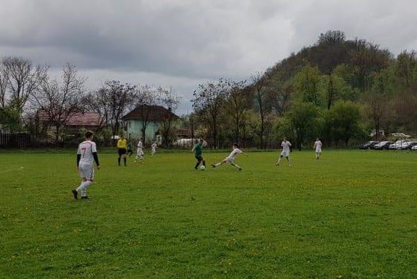 Liga a IV-a Arad, etapa a 23-a: VI-FE se ține tare și la Sântana și Pecica are +9, Zăbrani și UTA II se întorc cu mână goală de la Vladimirescu și Săvârșin