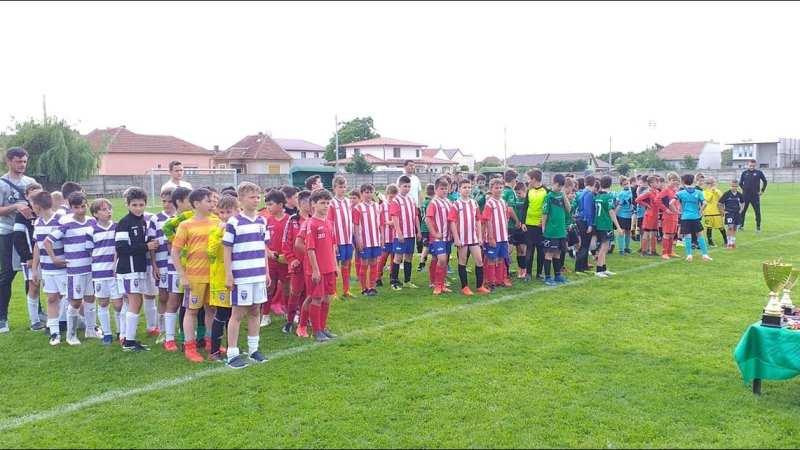 Timișenii de la Ghiroda merg la finala Champions Trophy Under 11, sâmbătă, tot la Arad, intră în luptă echipele de 2010