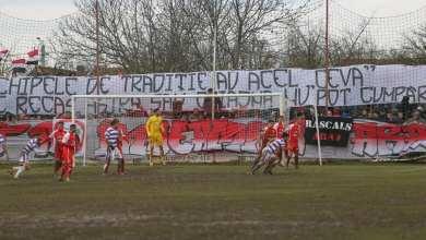 """Photo of Despre orgolii, puncte și, din nou, galerii în cel de-al 76-lea derby al Vestului: """"Pentru numele şi culorile clubului!"""""""