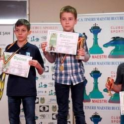 Filip Magold (U12) și Cristi Oltean (U14) - cei mai buni șahiști din țară la șah rapid, respectiv dezlegări