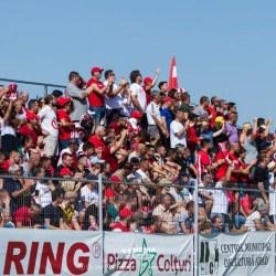 30 și 10 lei - biletul de intrare la UTA - Dinamo, abonații își pot păstra locurile până vineri!