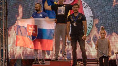 """Photo of """"Arm Wrestlerii"""" Avram și Bretean au adus medalii în contul Șoimilor Lipova"""