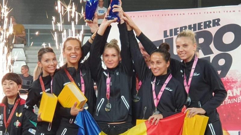 Arădeanca Dodean-Monteiro și restul campioanelor europene la tenis de masă, decorate de preşedintele Iohannis