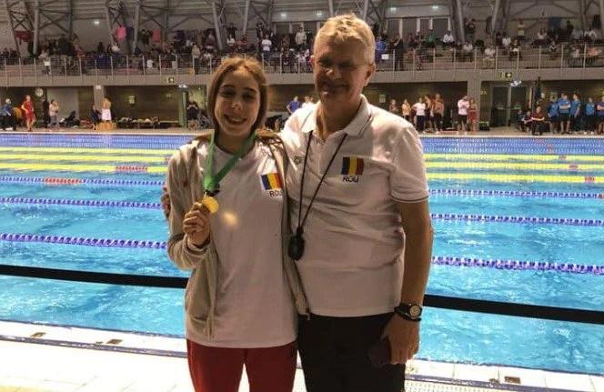 Înotătoarea Andreea Popescu a încheiat anul cu trei medalii peste Graniță