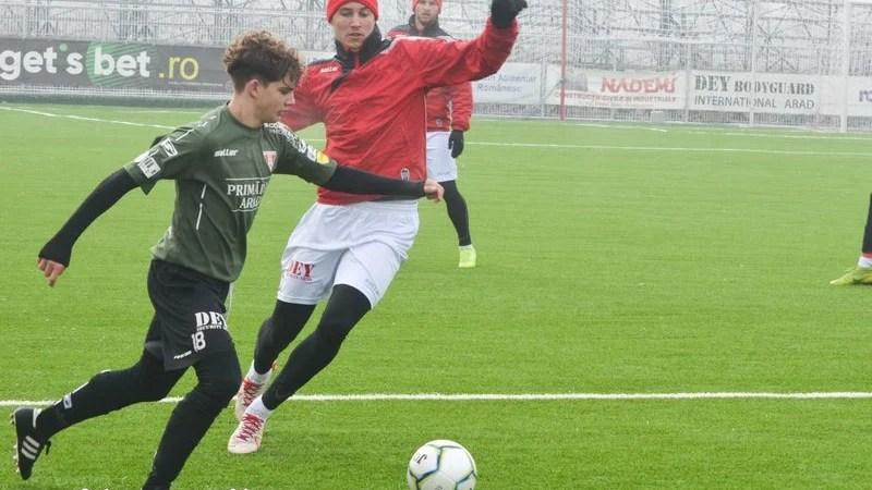 """Utiștii au făcut instrucție cu juniorii în primul amical al iernii, """"duble"""" pentru Miculescu și Lorenzi!"""