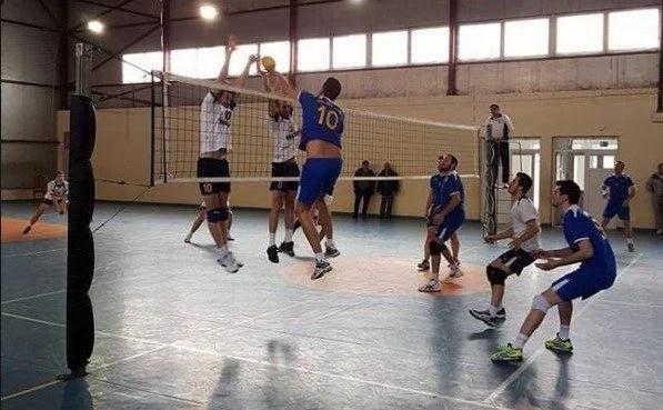 ProVolei ia startul în noul sezon al Diviziei A2 pe teren propriu: Mascovits antrenează o echipă 100% arădeană