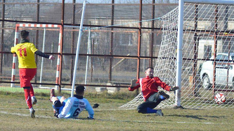 Campioana județului Arad dă piept cu cea mai bună echipă din Caraș-Severin pentru un loc în Liga 3-a