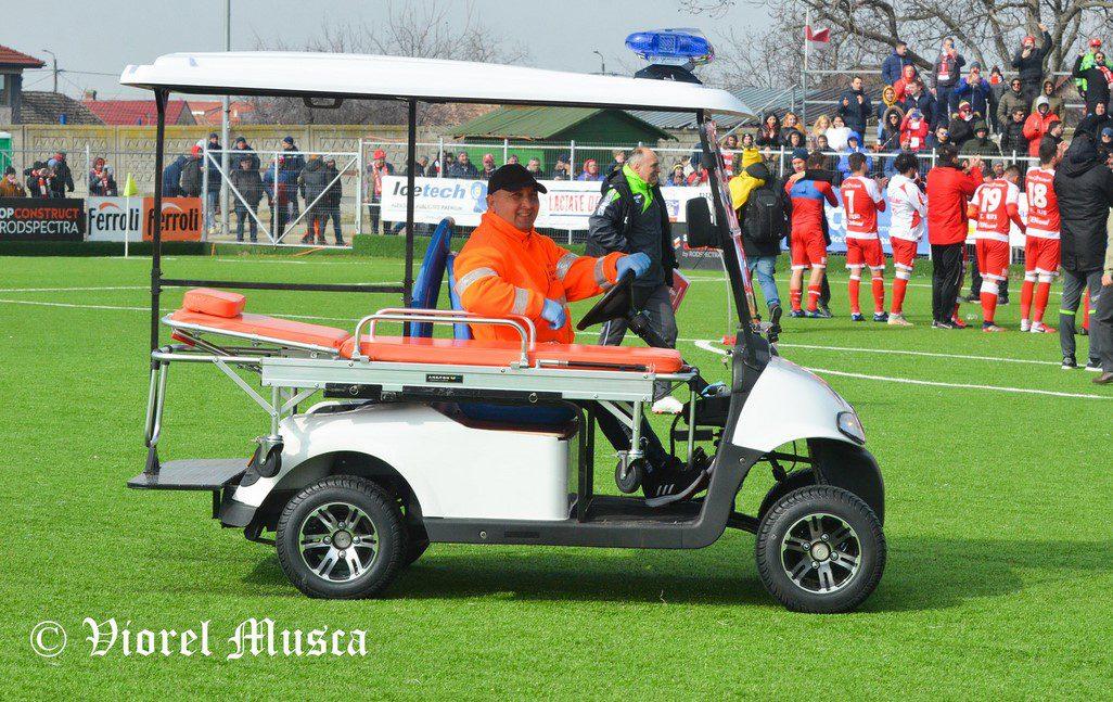 """Prin grija unui medic arădean, fotbaliștii accidentați vor fi transportați cu o mașinuță în afara terenului: """"Brandul UTA merită tot ce e mai bun"""""""