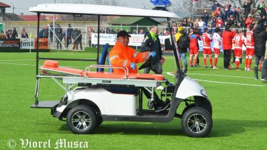 """Photo of Prin grija unui medic arădean, fotbaliștii accidentați vor fi transportați cu o mașinuță în afara terenului: """"Brandul UTA merită tot ce e mai bun"""""""