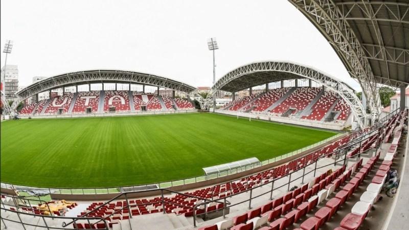 Primăria susține că lucrările la stadion se vor finaliza în maxim două luni de zile, gazul, lumina și parcarea – obiectivele pe termen scurt ale autorităților!