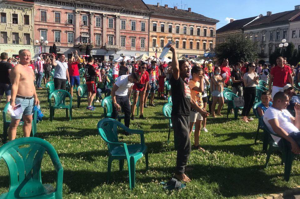 Susținătorii UTA-ei din Piața Avram Iancu, de la extaz la agonie