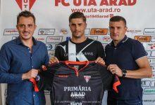"""Photo of Horațiu Moldovan, concurență """"sub vârstă"""" pentru Iacob și Balauru: """"Am jucat împotriva UTA-ei și am simțit că sunt 12 pe teren cu suporterii alături"""""""