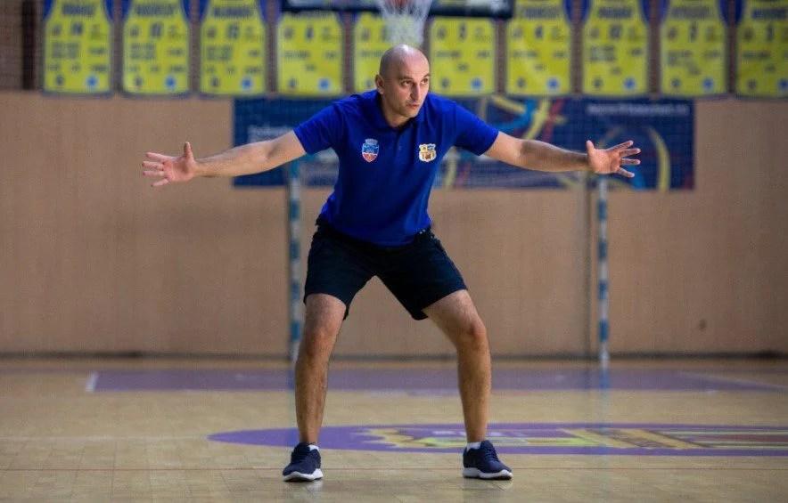 """Bulj a redebutat cu un eșec pe banca lui FCC Baschet Arad: """"Au existat o mulțime de oscilații în jocul nostru, am fost prea blânzi cu ele…"""""""