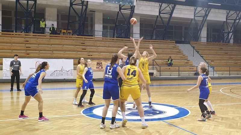 A treia victoria stagională s-a conturat în manieră clară: KSE Târgu Secuiesc – FCC Baschet Arad  33-80