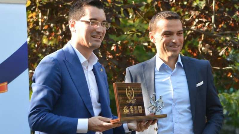"""Burleanu garantează: """"Este exclusă varianta ca Haţegan să nu arbitreze la European""""!"""