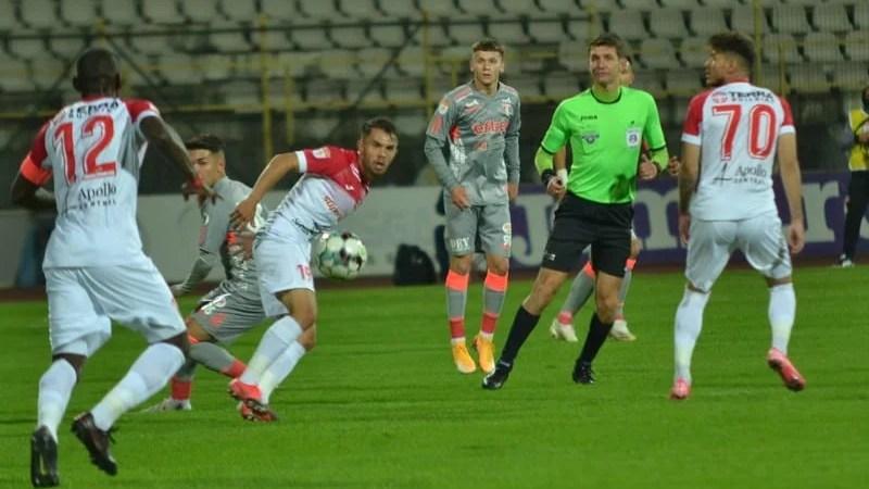 Mladinovici o arbitrează pentru a doua oară pe UTA în Liga 1 și tot în deplasare