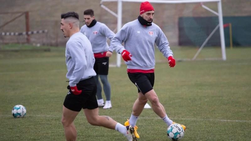 """Hora și Shlyakov îl pun pe gânduri pe Balint, cine va juca lângă Benga cu Dinamo? """"Toți au încrederea mea totală"""""""