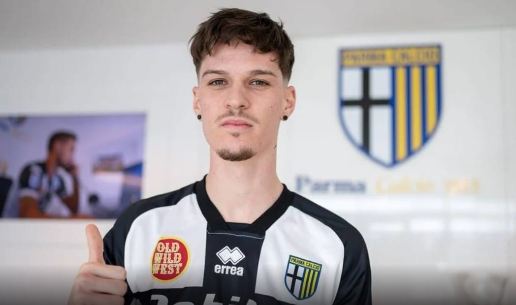 """Arădeanul Man e parmegian cu acte în regulă! Golgheterul Ligii 1 și-a păstrat numărul de la UTA și FCSB și este cel mai scump transfer al iernii din """"Il Calcio"""""""